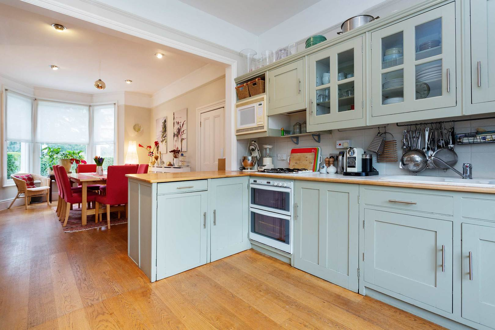 Wimbledon Delight - 5 Bed House in Wimbledon • Veeve