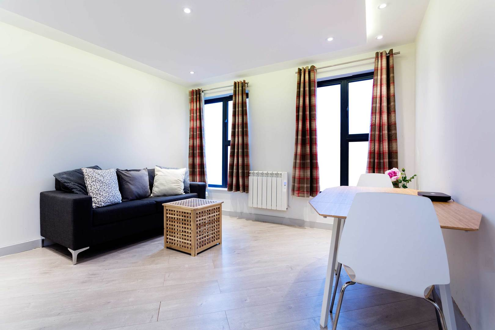 Contemporary mile end 1 bed apartment in stepney green • veeve