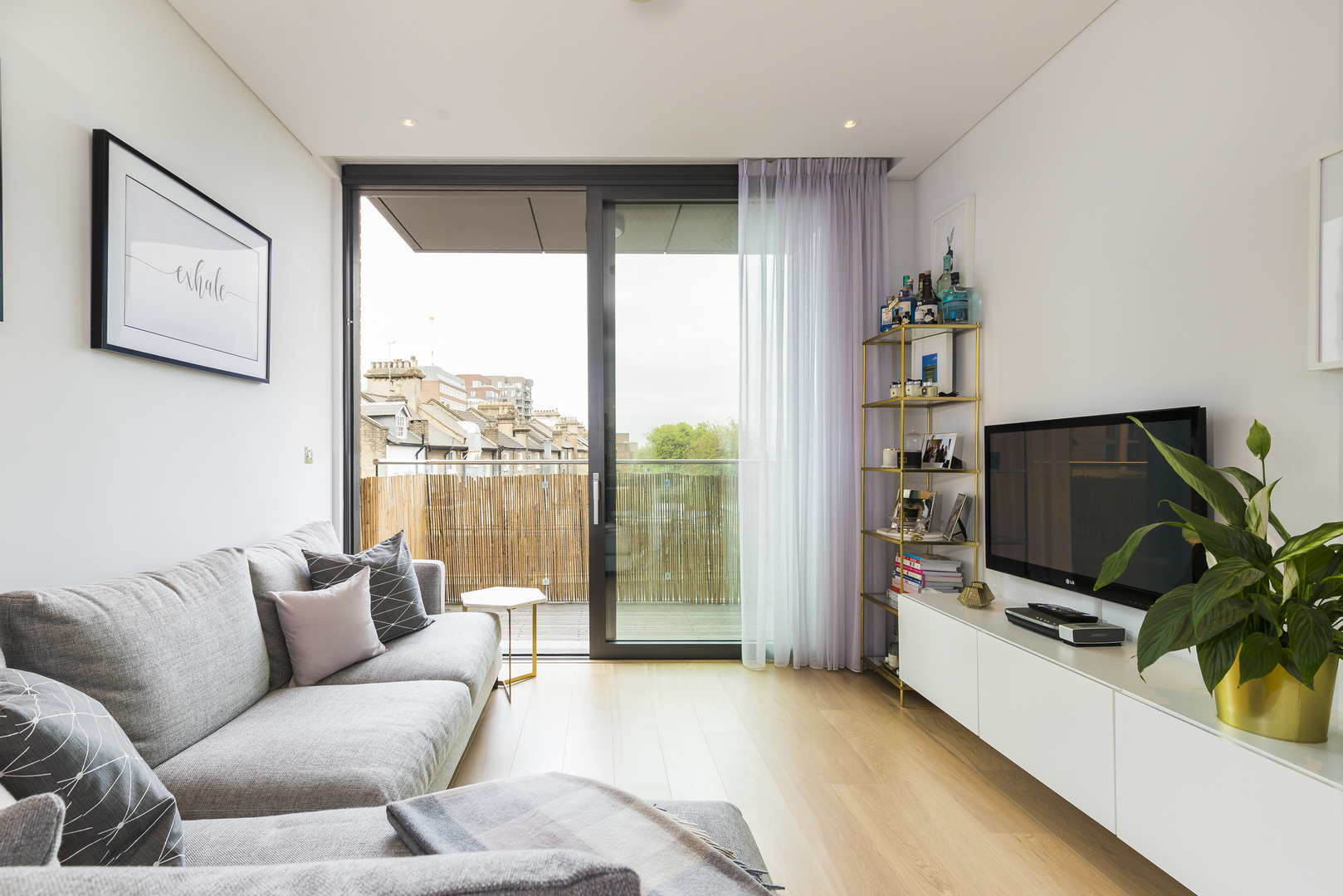 plaza gardens 1 bed apartment in putney u2022 veeve rh veeve com